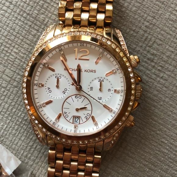 67ab4060d57d Michael Kors Watch. M_5c5bbbc1aa57191bc0bf28bd